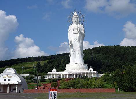 高さ88mもあるでかい観音様も廃墟となってしまったか・・・「北海道大観音」(北海道芦別)