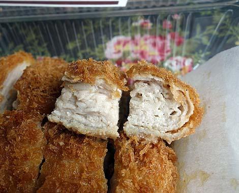 カツデリ 泊店(沖縄那覇)沖縄でローカル展開するテイクアウト豚かつチェーンで県産豚のミルフィーユかつ