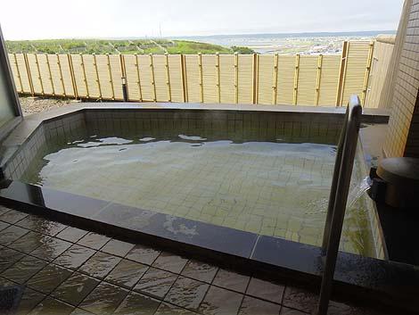 太平洋にのびる霧多布岬などの景色が素晴らしい「霧多布温泉ゆうゆ」(北海道浜中町)