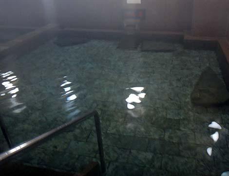 珍しいラジウムとラドンガスが吸引できる温浴施設「伊豆長岡温泉 弘法の湯 長岡店」(静岡伊豆の国)