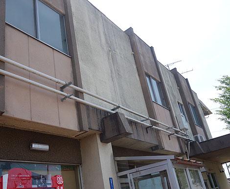 懐かしの自販機も存在する1人2880円の激安宿泊宿「ホテル公楽園」(新潟燕市)