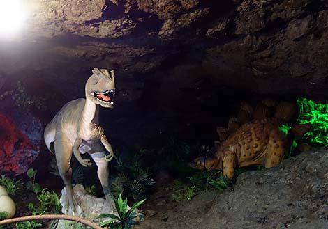 和歌山の奥地にジェラシックパーク発見♪小原洞窟恐竜ランド&極楽洞(和歌山県伊都郡)前編