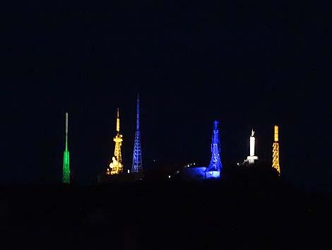 幻想的なその光に吸い寄せられる・・・日本五大工場夜景の1つ「室蘭工場夜景」(北海道)