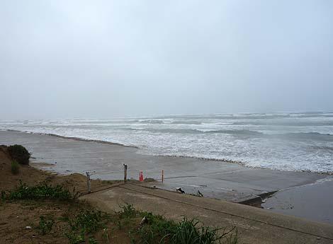 日本国内で唯一!車で走ることができる砂浜「千里浜なぎさドライブウェイ」(石川羽咋)
