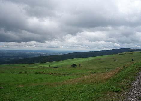 十勝平野のその広さが一望できる日本一広い公共牧場「ナイタイ高原牧場」(北海道上士幌町)