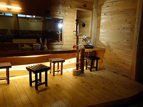 ぬかびら温泉の中では木のぬくもりを感じる源泉かけ流し宿「中村屋」(北海道上士幌町)