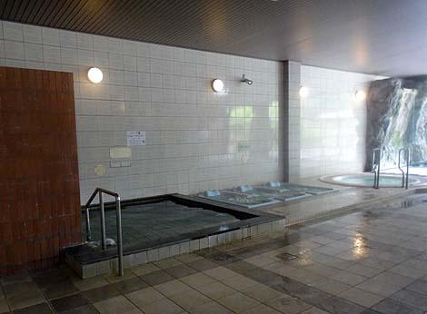 24時間営業の健康ランドでゆったり長時間滞在♪天然温泉「ほっとらんど NANAO」(石川七尾)