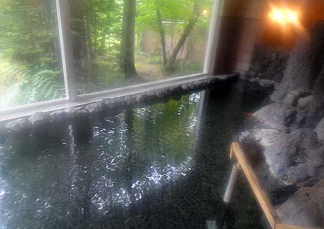 源泉かけ流し宣言の町である糠平温泉で一番大きい宿「糠平館観光ホテル」(北海道上士幌町)