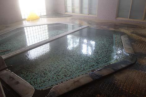 ぬかびら温泉の中でもビジネスホテルっぽい造りの旅館「糠平温泉ホテル」(北海道上士幌町)