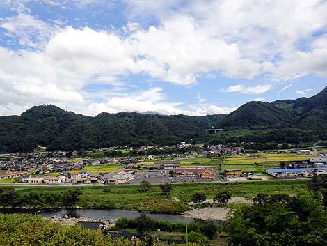 鬼の像 大牛蟹(鳥取県日野郡溝口町)巨大像めぐりの旅