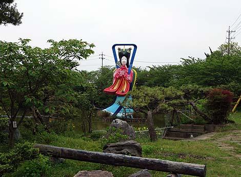 浦島太郎が恋焦がれる巨大な乙姫様♪ 西南濃稲荷神社「高さ10mの巨大乙姫像」(岐阜輪之内町)