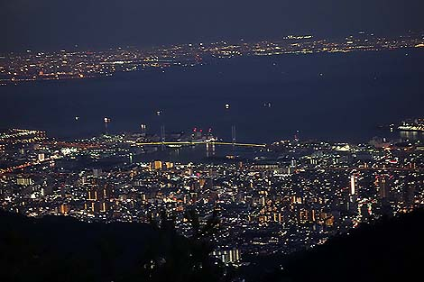 神戸六甲山の夜景「天覧台」(兵庫六甲山ケーブル山上駅展望台)