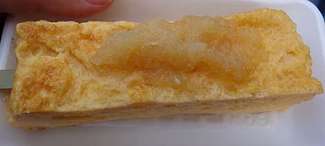 築地 山長(東京築地市場)玉子焼きの名店でいただく串に刺さった100円玉子焼き