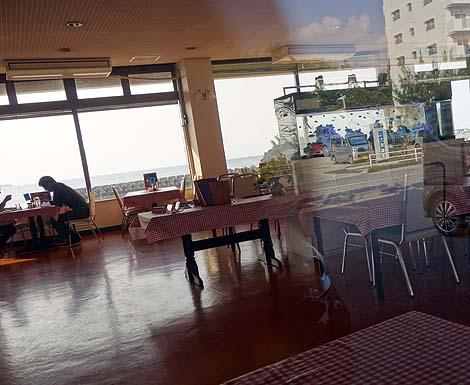 シーサイドドライブイン(沖縄恩納村)アメリカングラフィティの世界そのまんまの24時間レストラン