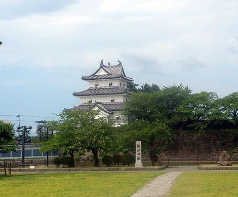 新潟県では唯一現存建築が存在する城址「新発田城」(新潟新発田)復元三階櫓