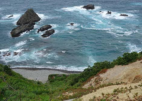 晴れた日はその海の青さに感動してしまいます「積丹岬」(北海道積丹)