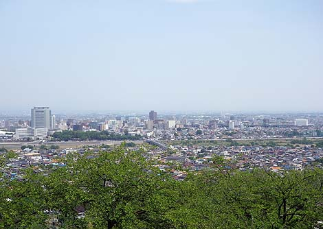 高崎市のシンボル!高さ41.8mで昭和11年当時は東洋一の像であった「高崎白衣大観音」(群馬高崎)
