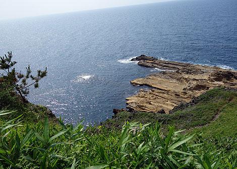 松本清張の推理小説「ゼロの焦点」でヒロインが身を投げた自殺の名所?「ヤセの断崖と義経の舟隠し」(石川志賀町)